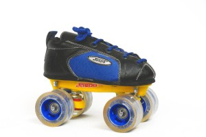 JASPO Jaspo Sprint Pro Shoe Skates Combo SIZE 6 UK (shoe skates+ helmet+knee+elbow+wrist+bag)Foot length 24.5 cms ( For age group 11-12 years) Skating Kit