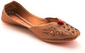 Ridhi Sidhi Women's Brown Colored Mojaris