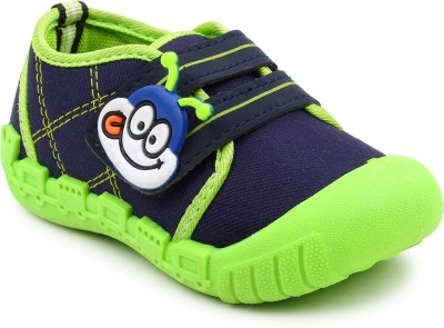 Myau Boys & Girls Velcro Sneakers