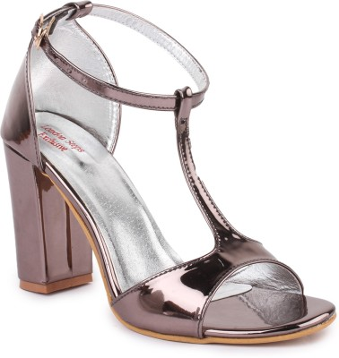 London Steps Women Grey Heels