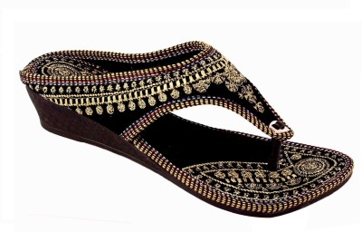 AMAZING TRADERS Women Black, Gold Wedges