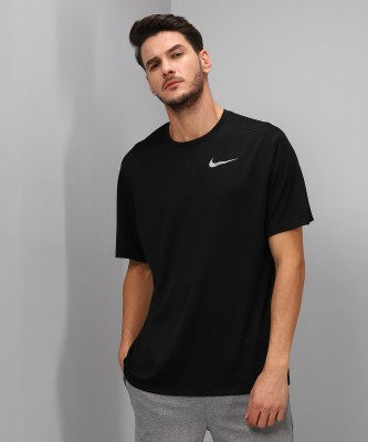 Nike Solid Men's Round Neck Red T-Shirt