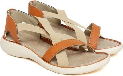 BELLA TOES Women Tan Flats